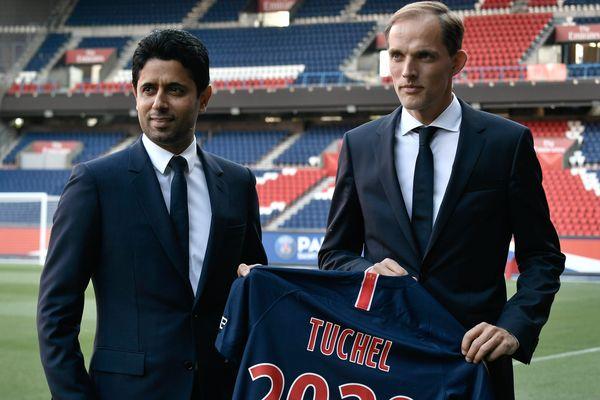 Thomas Tuchel avec le président du PSG Nasser Al-Khelaifi, après la conférence de presse de présentation de l'entraîneur, le 20 mai 2018 au Parc des Princes.