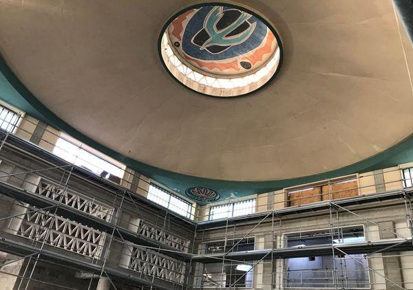 Dans le projet de l'architecte Edouardo Souto de Moura, le hall d'accueil de la future comédie-scène nationale de Clermont-Ferrand n'est autre que l'ancienne gare Routière dessinée par Valentin Vigneron dans les années 1960.