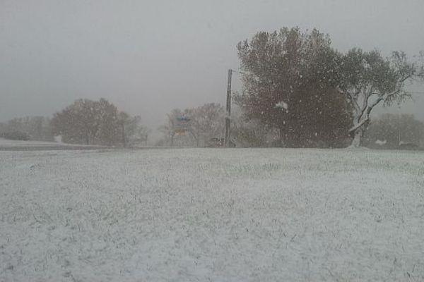 Aigues-Mortes (Gard) - il neige sur le littoral gardois - 27 novembre 2013