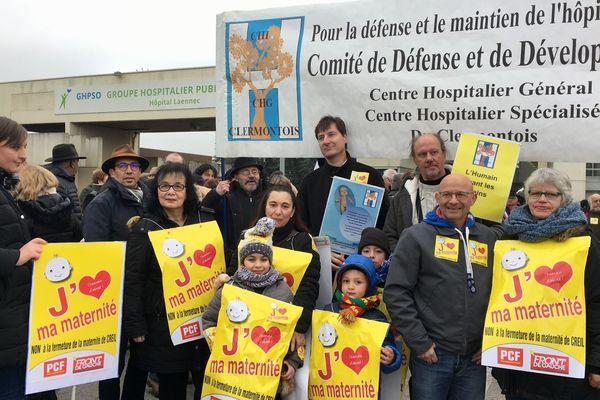 Des Creillois s'étaient mobilisés en janvier 2018 pour défendre l'existence de la maternité de Creil (Oise).
