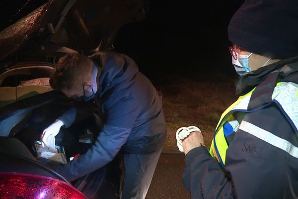 Sur les bords du lac du Bourget, une quinzaine de gendarmes ont contrôlés les automobilistes vendredi soir.