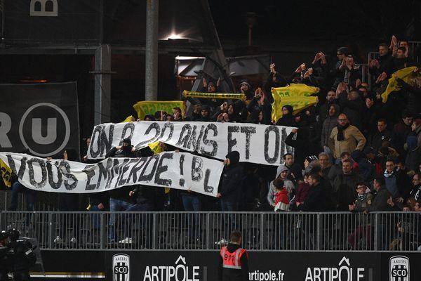 la banderole déployée par la Brigade Loire lors du match Angers SCO-Amiens SC, 16 mars 2019
