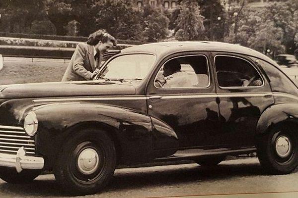 Un modèle de 203 de la fin des années 1940