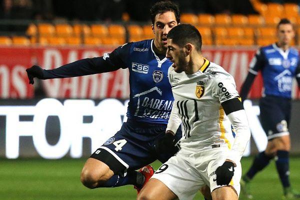 Thomas Ayasse (Estac) contre Yassine Benzia (LOSC) le samedi 21 novembre à Troyes.