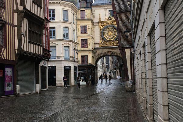 Automne 2020 : magasins fermés rue du Gros-Horloge à Rouen