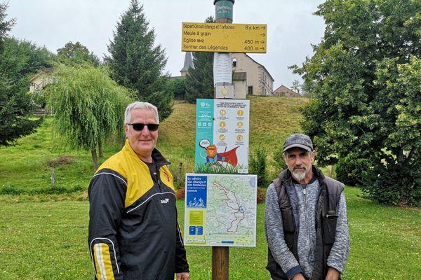 Plus de 200 panneaux de signalisation vont être installés par les bénévoles, comme ici à Chenebier, en Haute-Saône.