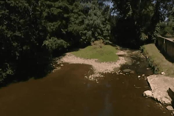 Le débit de l'Auvézère n'est plus suffisant