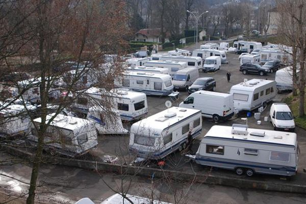 Un camp de gens du voyage