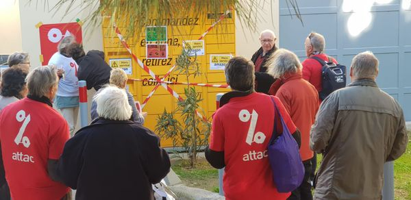 Montpellier : Attac boycotte le Black Friday et sa surconsommation en bloquant les colis d'Amazon