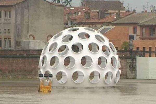 La sphere du FIAT... dans l'eau