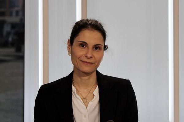 Maria Halima Laaberki,docteure vétérinaire àVétAgroSup, répond à vos questions sur les zoonose sur le plateau de Ensemble c'est mieux sur France 3
