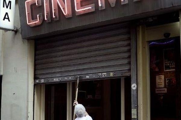 Le Beverley était le dernier cinéma porno de Paris.