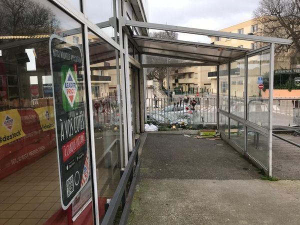 L'auvent de supermarché sous lequel s'est produit le drame, ce 8 février 2020, à Castelnau-le-Lez (Hérault)