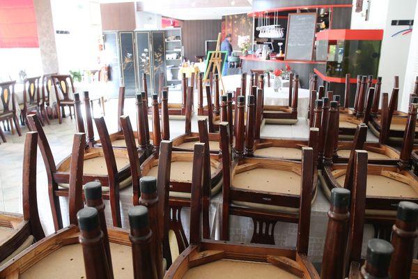 Image d'illustration d'un restaurant inactif en période de confinement.