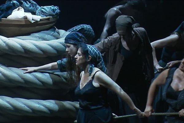 """Une scène de l'opéra de Wagner """"Le Vaisseau Fantôme"""" à Rennes"""