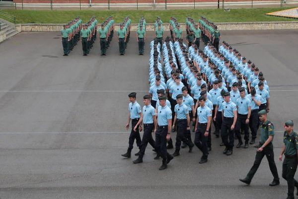 Les élèves de l'école de gendarmerie de Tulle mobilisés dans le cadre des mesures de lutte contre le coronavirus en France