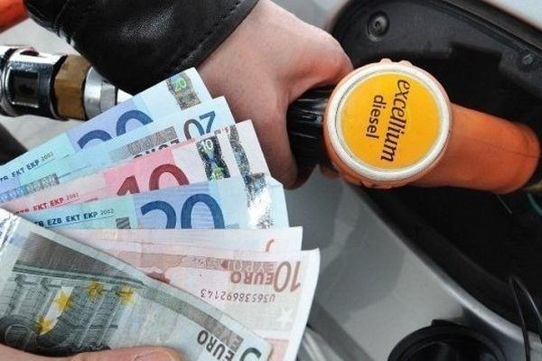 ILLUSTRATION - Le prix des carburants toujours plus élevé en Corse que la moyenne nationale