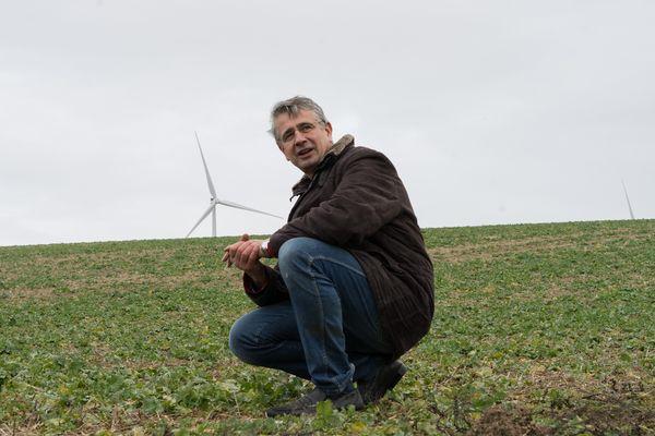 """Ludovic Renaudin, 53 ans, cultive 200 hectares dans l'Aube. """"Oui j'utilise des produits phytos et j'assume, mais tout est dans le dosage""""."""