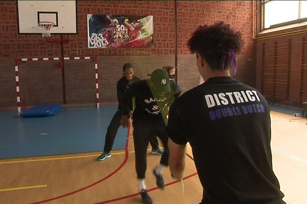 Grande-Synthe : le double dutch, un sport de corde à sauter qui allie l'art, la technique et le physique