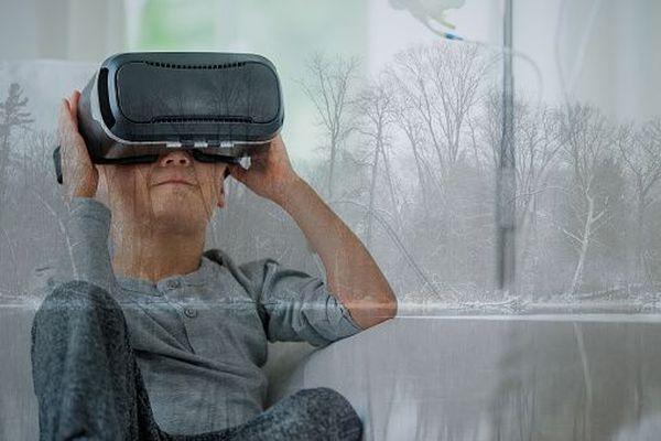 L'hôpital de Clocheville à Tours lance une tombola en ligne pour pouvoir financer l'achat de casques de réalité virtuelle, destinés à améliorer la prise en charge de la douleur des enfants hospitalisés.