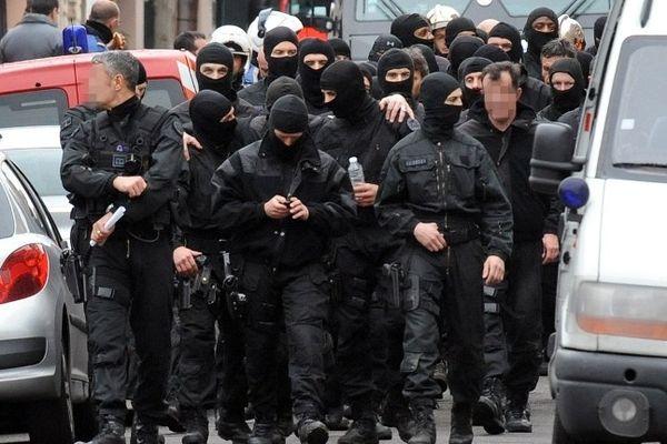 Les policiers du RAID après l'intervention contre Merah en mars 2012 à Toulouse