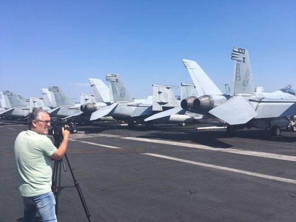 La piste du porte-avions USS Truman filmé par notre Grand-reporter Roger Gasc