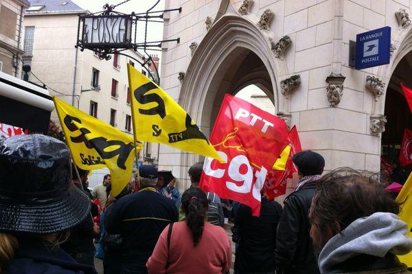 72e jour de grève pour les postiers d'Aubigny.