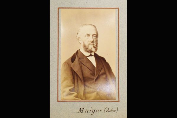 Julien Maigne, député de Haute-Loire de 1849 à 1885, faisait partie de ceux qui se sont opposés à la politique coloniale de la France.