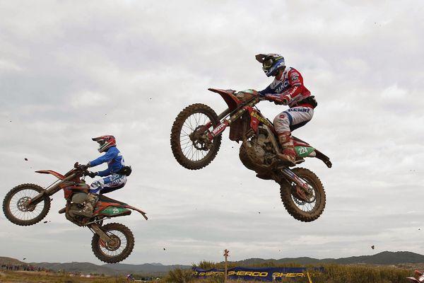 Une épreuve pour les championnats de France de moto cross -12 ans s'est déroulée le weekend des 8 et 9 juillet à Vic-le-Comte (63).