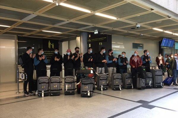 L'arrivée des joueurs du H à l'aéroport de Nantes-Atlantique, le 21 mai 2021