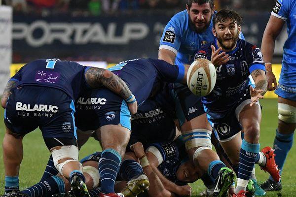 Grenoble s'est relancé samedi soir lors de la 12e journée de Top 14 en dominant sur le fil Montpellier (17-16)