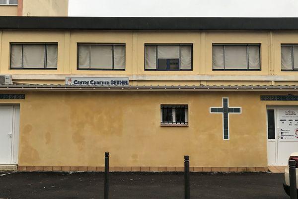 L'église Bethel du centre chrétien de Corse, à Ajaccio, ferme ses portes pour au moins deux semaines. Les trois cas confirmés de Coronavirus sont des fidèles de cette paroisse.