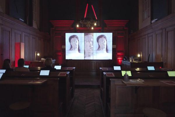 Juin 2021 - L'intérieur de l'ancien palais de justice de Pont-Audemer (Eure) aménagé en musée numérique