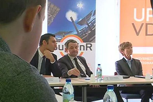 Perpignan - le secrétaire d'Etat à l'Enseignement supérieur, Thierry Mandon, en visite pour soutenir la première école d'ingénieurs de France, dédiée aux énergies renouvelables - 20 février 2017.