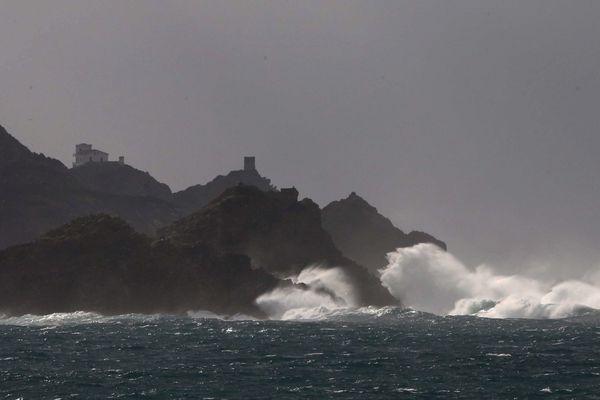 ARCHIVES - Tempête sur les Iles sanguinaires à l'ouest d'Ajaccio (Corse du Sud)