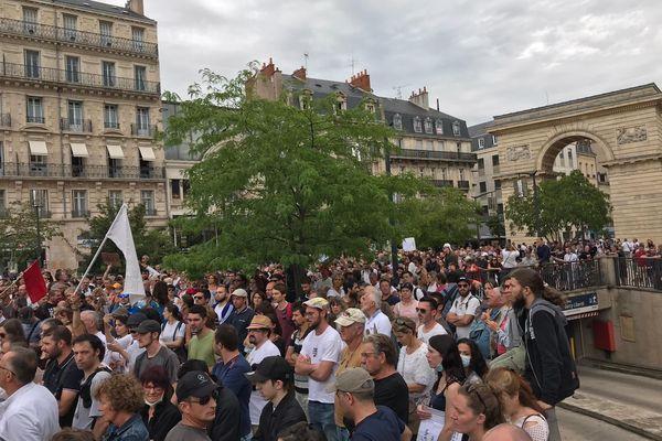 La mobilisation contre le pass sanitaire continue à Dijon