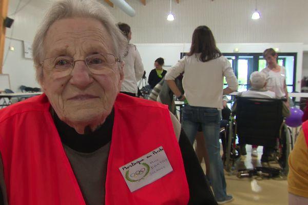 Solange, 97 ans, doyenne des Olympiades, de l'équipe de Mortagne au Perche