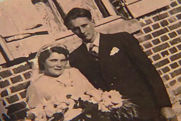 Le couple se marie le 4 octobre 1941 à l'âge de 19 ans - 2 octobre 2021