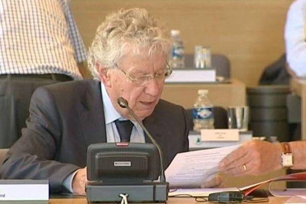 Après 10 années passées à la tête du conseil général de Haute-Loire, Gérard Roche a démissionné de son mandat. Vendredi 20 juin 2014, il a écrit les dernières lignes de sa présidence.