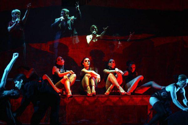L'INM forme chaque année des artistes de Music-hall capables de pratiquer danse, théâtre et chant.