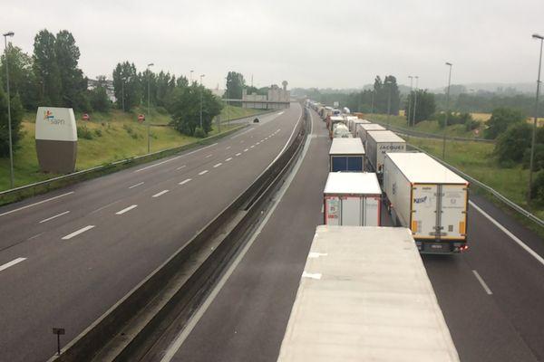 Des bouchons sur l'A 13, la circulation interdite entre Poissy et Les Mureaux.