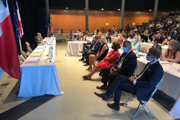 Le conseil municipal de Vallauris s'est ouvert, ce samedi 4 juillet, par une minute de silence, en hommage au conseiller municipal Jean-Michel Ambrogio, décédé du coronavirus.