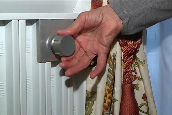 Pour chauffer son logement de 100 m2, Simone Bezier commande 1000 litres de fioul par an.
