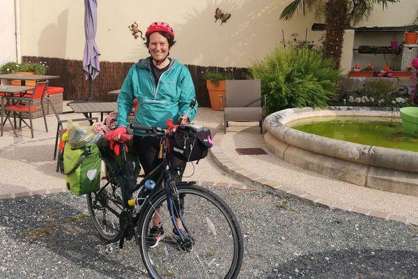 Alexandra Husta s'est lancée dans un tour de France à vélo