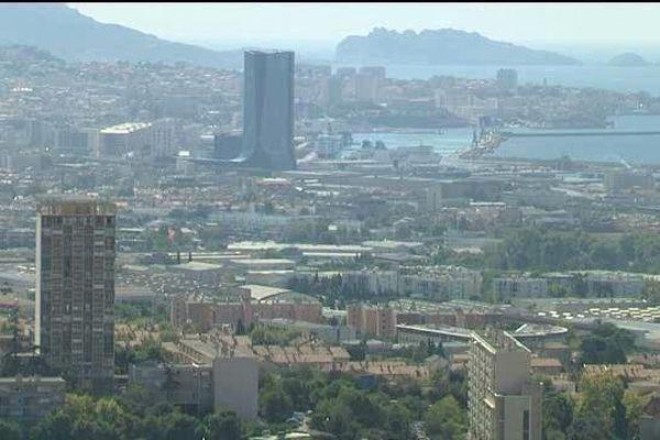 La métropole Aix-Marseille Provence (AMP), dont la création institutionnelle est prévue au 1er janvier 2016, dispose d'un vaste territoire géographiquement contrasté.