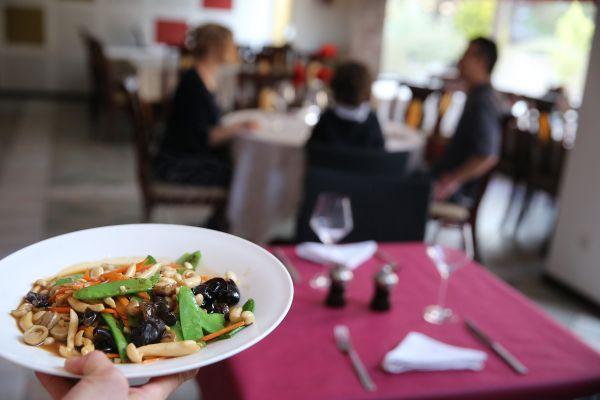 Les clients des restaurants de Montluçon (Allier) pourront bénéficier jusqu'à 30% de réduction sur leur note dès le 9 juin.