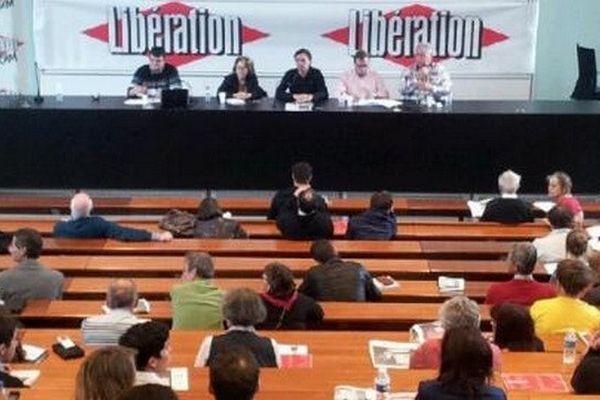 Les débats se tiennent à l'université du capitole à Toulouse sur le thème de l'énergie.