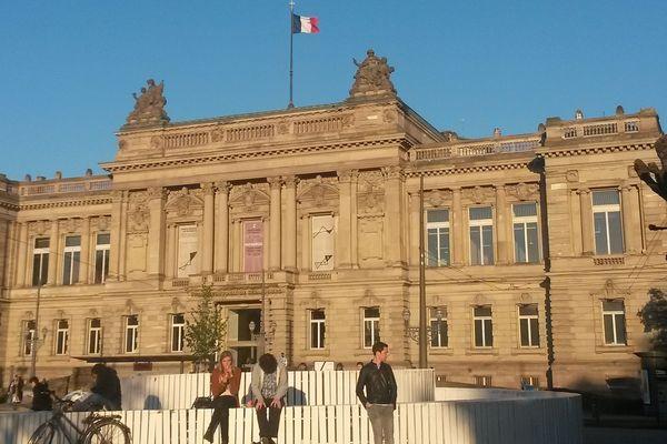 Le TNS est le seul théâtre national de France installé en région.
