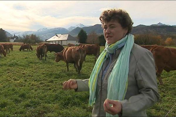 Valérie Soucaze, éleveuse à Bagnères-de-Bigorre, travaille en circuit court