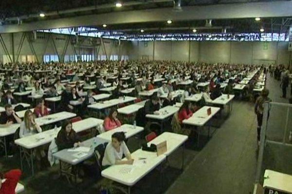 2462 étudiants qui planchent...c'est toujours impressionnant !